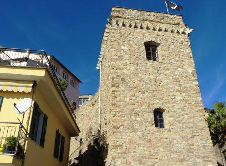 """Cipressa (IM), borgata Collautra o dei Martini, torre """"antiturchesca"""""""