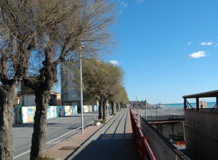 Vallecrosia (IM), passeggiata a mare