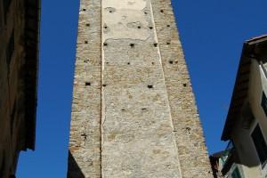 Castelvittorio (IM), campanile della Chiesa Parrocchiale di S. Stefano