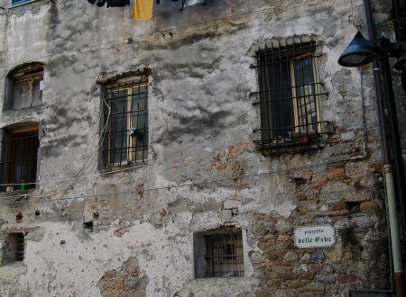 Ventimiglia (IM) – Piazzetta delle Erbe
