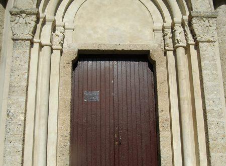 Ventimiglia (IM) – portale della Chiesa di San Michele