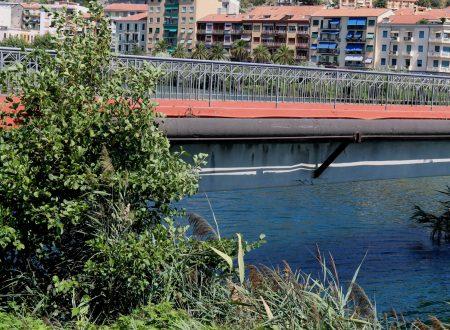 Ventimiglia (IM) – la passerella sul fiume Roia