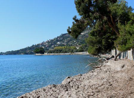Latte, Frazione di Ventimiglia (IM): una spiaggia