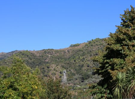 Camporosso (IM): una vista da Cian de Ca' sulle Località Colmo, Lovaira, Ferrai e Garibaudo